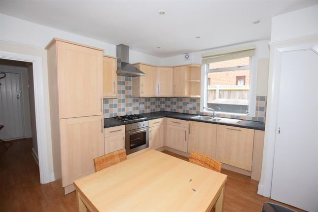 2 bed maisonette for sale in Clarendon Road, Colliers Wood, London