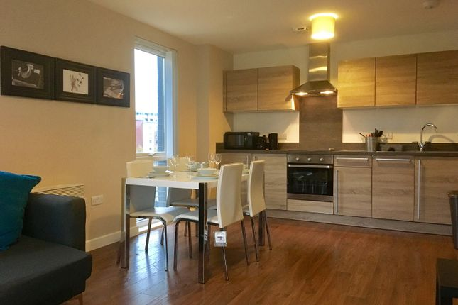 2 bed flat to rent in The Riverside, Lowry Wharf, Derwent Street, Salford