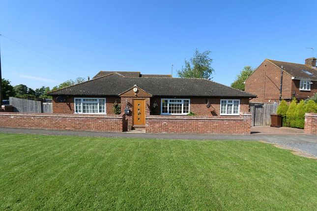 Thumbnail Detached bungalow for sale in Manor Road, Cheddington, Leighton Buzzard, Bedfordshire