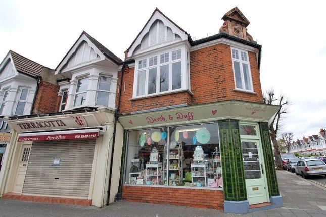 Flat to rent in Northfield Avenue, Ealing, London