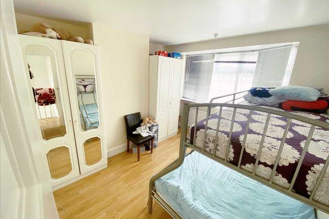 Bedroom 1 of Lawrence Crescent, Edgware HA8