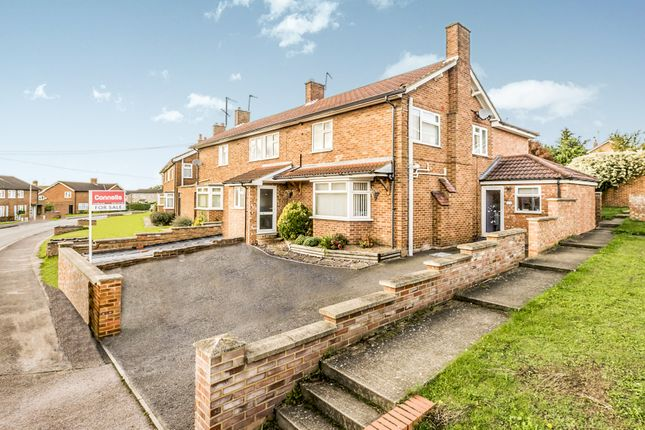 4 bed semi-detached house for sale in Sanfoine Close, Hitchin