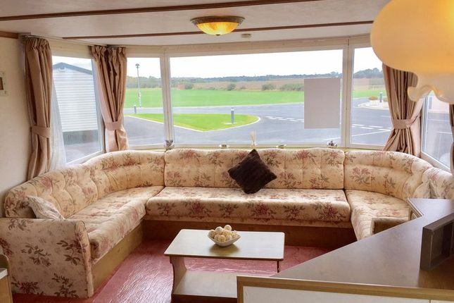 2 bed mobile/park home for sale in Atwick Road, Hornsea