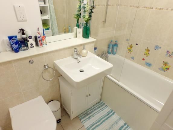 Bathroom of The Heights, 25 St. Johns Street, Bedford, Bedfordshire MK42