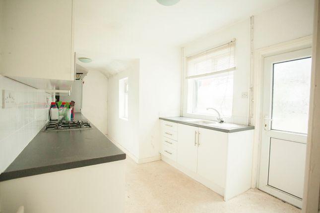 Kitchen of Aynsley Road, Shelton ST4