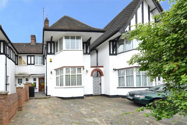 4 bed property to rent in Highfield Avenue, Golders Green
