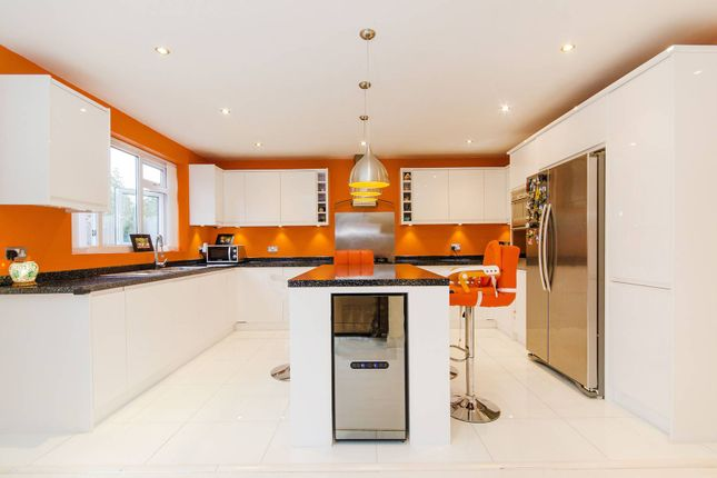 Thumbnail Property to rent in Ashcroft, Pinner