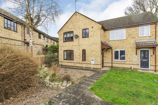 2 bed flat for sale in Railway Court, Saxilby, Lincoln LN1