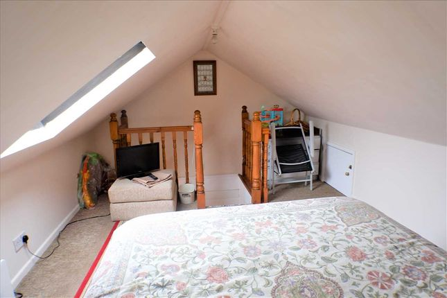 Attic Space of Gwenfron Terrace, Williamstown, Tonypandy CF40