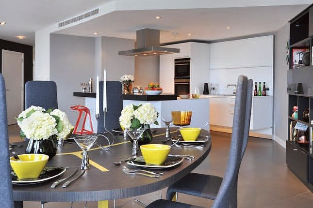 Dining Area of Bezier Apartments, London EC1Y