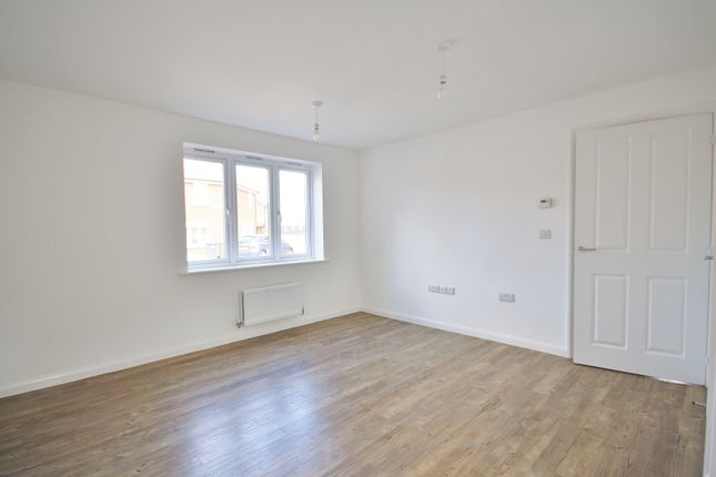 Living Room of Falcon Crescent, Queens Hills, Norwich NR8