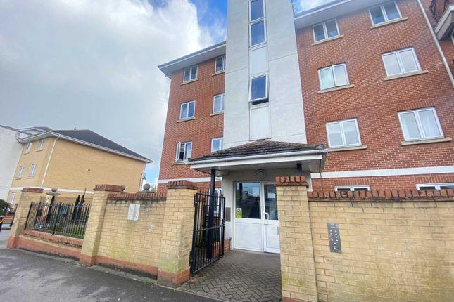 Thumbnail Flat to rent in Felixstowe Road, Abbey Wood