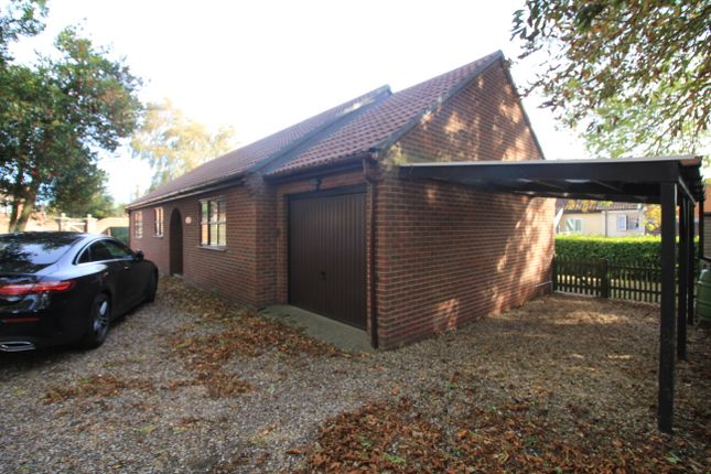 Thumbnail Detached bungalow to rent in London Road, Dereham, Norfolk