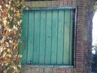 Parking/garage to rent in Falcourt Close, Sutton