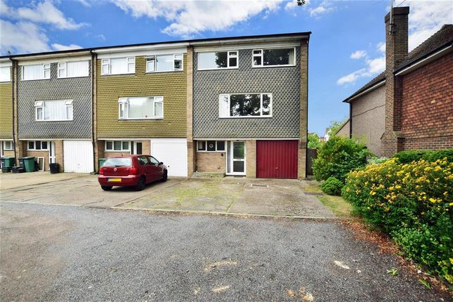 Thumbnail Town house for sale in Victoria Road, Horley, Surrey