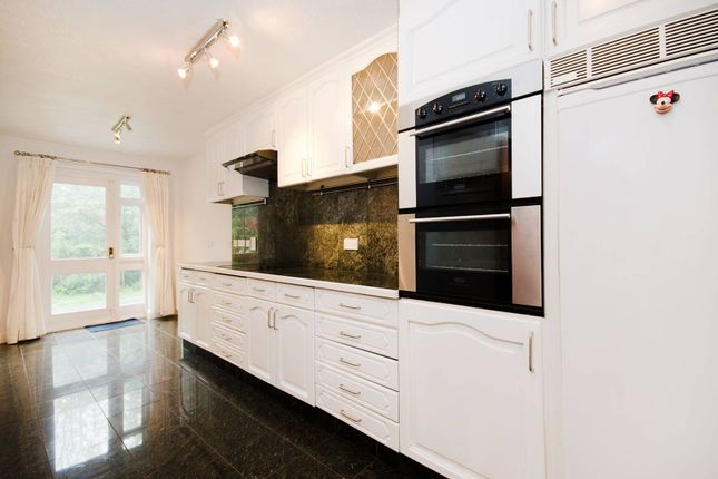 4 bed property to rent in Harrow Fields Gardens, Harrow On The Hill