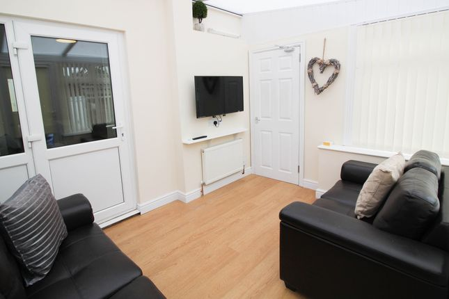 Thumbnail Shared accommodation to rent in Broad Lane, South Elmsall