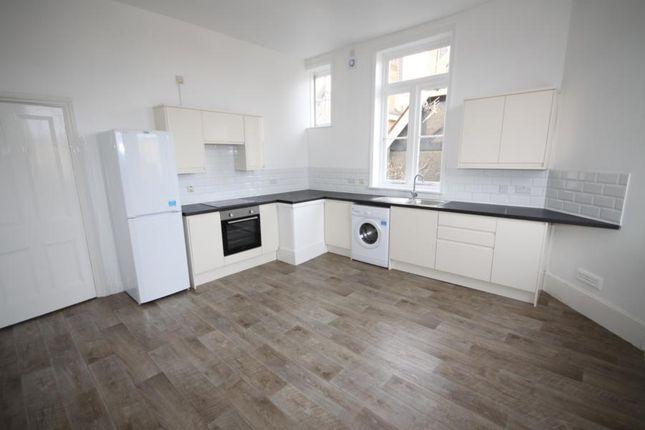 Thumbnail Flat to rent in Trafalgar Road, London