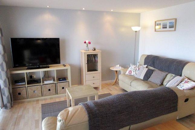 Thumbnail Flat to rent in Cwrt Naiad, Pentre Doc Y Gogledd, Llanelli.