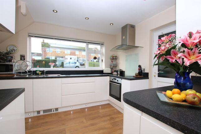 Kitchen B of Fairfield Road, Alphington, Exeter EX2