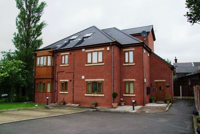 Thumbnail Flat to rent in Royton Hall Place, Shepherd Street, Royton