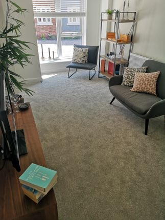 Thumbnail Town house to rent in Scotts Square, Hull