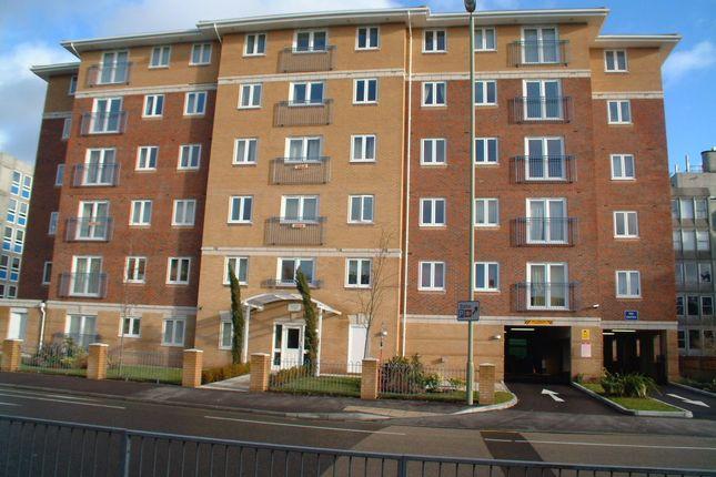 2 bed flat to rent in Farnborough Road, Farnborough