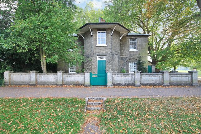 Thumbnail Detached house for sale in Chesterton Road, Cambridge