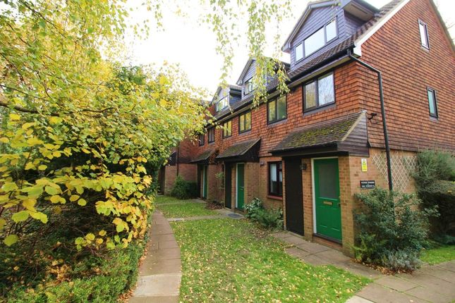 1 bed flat to rent in Herga Court, Watford