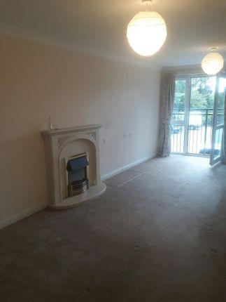 Thumbnail Flat to rent in Oyster Lane, Byfleet, West Byfleet