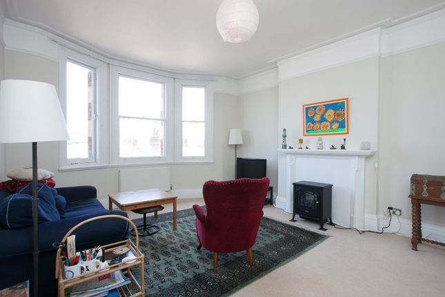 3 bed flat to rent in Glentworth Street, London