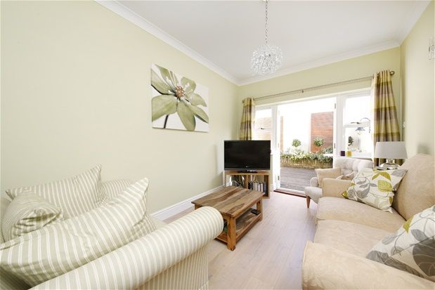 4 bed terraced house for sale in Lordship Lane, London