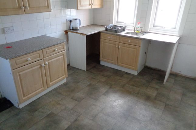 Thumbnail Flat to rent in 77 New Burlington Road, Bridlington