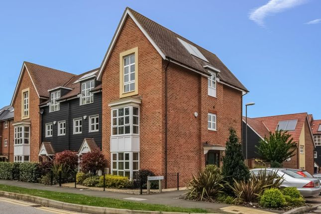 Thumbnail Town house to rent in Baynton Road, Aylesbury