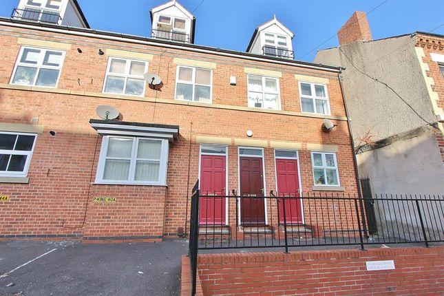 2 bed flat for sale in Fieldhead Road, Sheffield