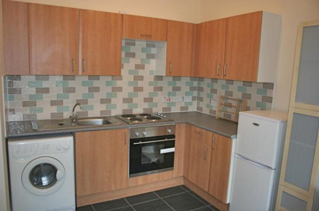 Thumbnail Flat to rent in Pirrie Street, Leith