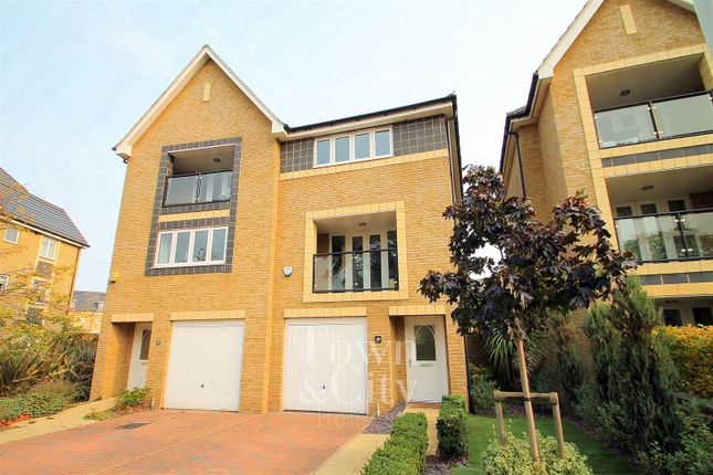 Thumbnail Property for sale in Chapel Drive, Dartford