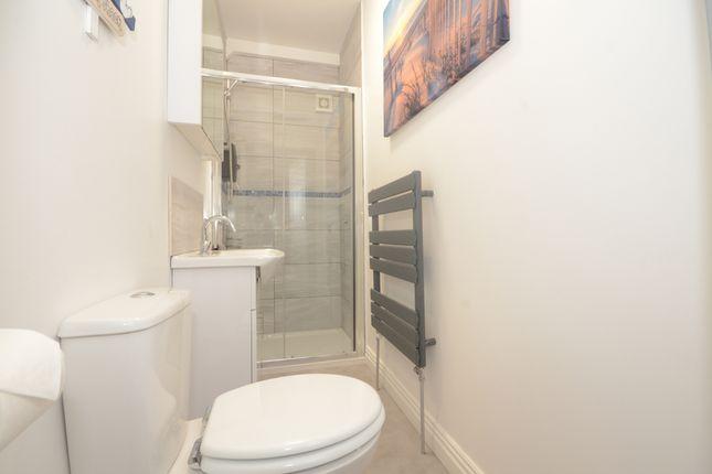 Room to rent in Constantine Avenue, York YO10