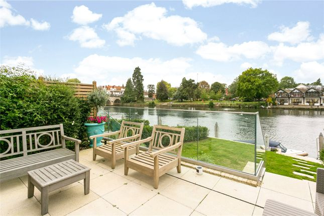 4 bed end terrace house for sale in Skindles Reach, Mill Lane, Taplow, Maidenhead SL6