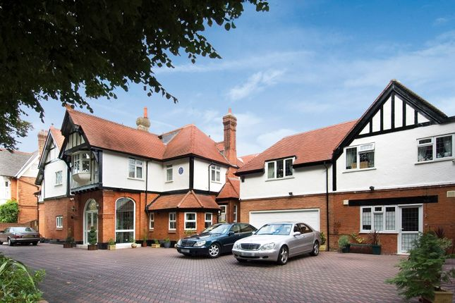 Thumbnail Detached house for sale in Grove Park Gardens, London