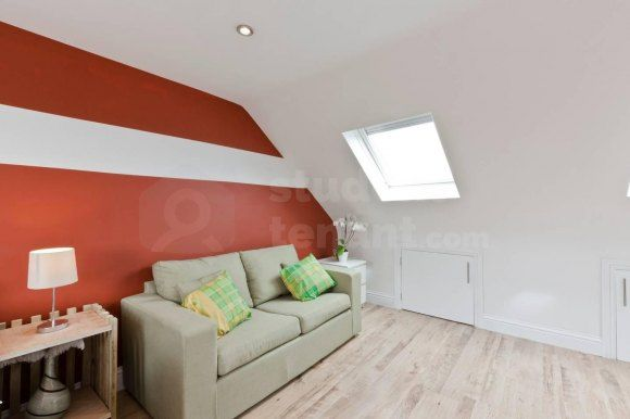 Thumbnail Room to rent in Winchester Avenue, Hounslow, Middlesex