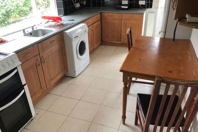 Thumbnail Terraced house to rent in Stanley Street, Luton