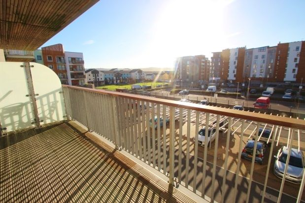 2 bed flat to rent in Newfoundland Way, Portishead, Bristol