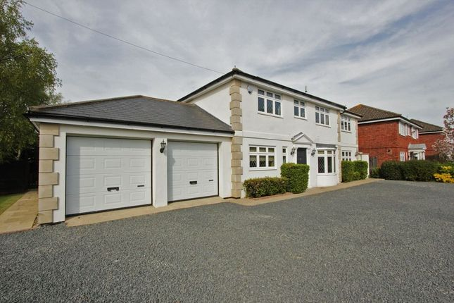 Thumbnail Detached house for sale in Threeways Church Road, Hartley, Longfield