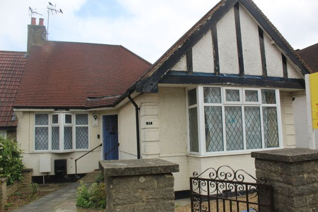 Thumbnail Bungalow to rent in Milton Avenue, Barnet