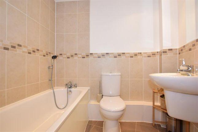 Bathroom of Southfields Green, Gravesend, Kent DA11