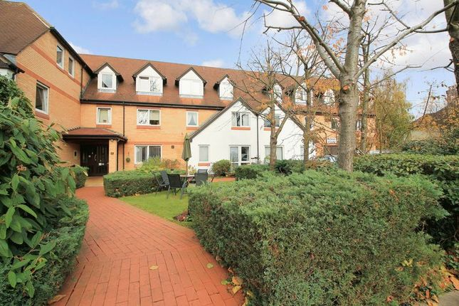 Thumbnail Flat for sale in Homan Court, North Finchley