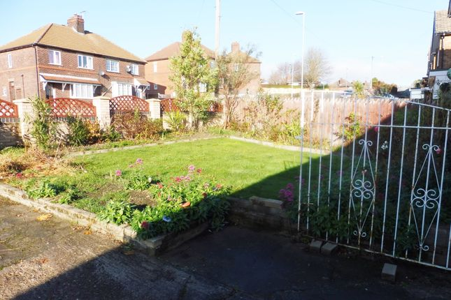 Side Garden of Skiers View Road, Hoyland Common S74