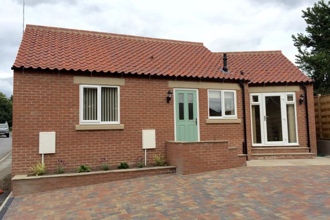 Thumbnail Bungalow to rent in Raskelf Road, Easingwold, York