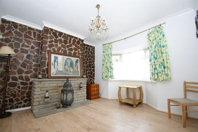 4 bed terraced house to rent in The Green, London